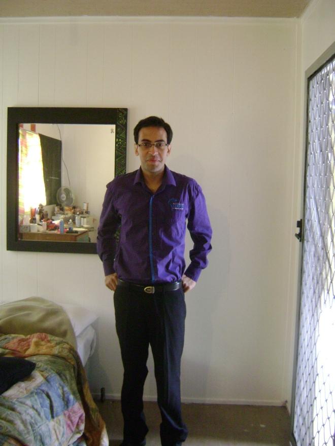 Fede estrenando el uniforme gay del restaurant :)